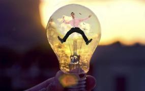 man-in-lightbulb-am